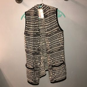 ANTHROPOLOGIE Black/White sweater vest Small NWT